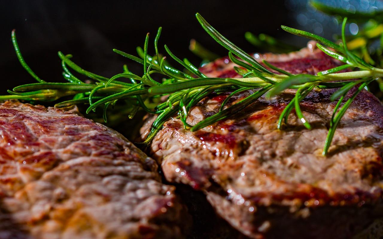 Кулинарный канал Telegram – MeatSteak – Как правильно приготовить стейк из мраморной говядины.