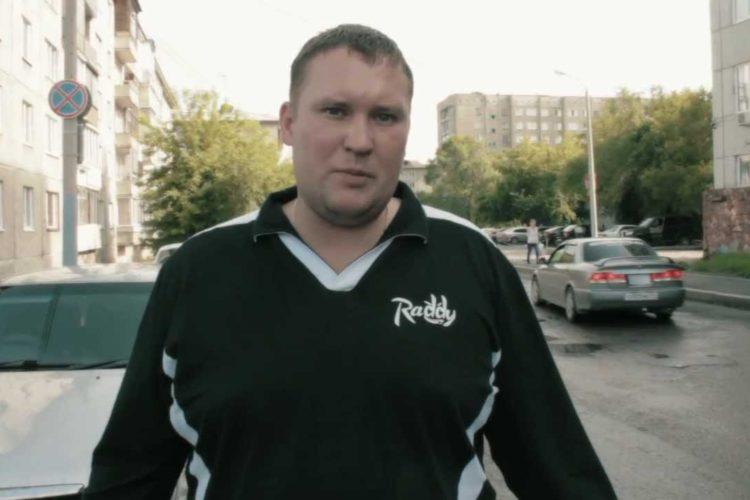 Дмитрий Шилов намекает депутатам города Красноярск.