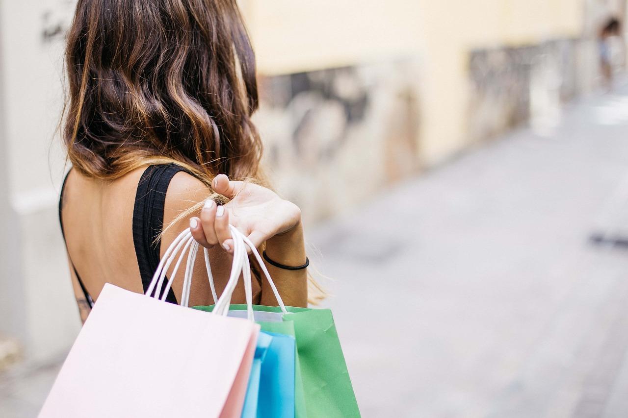 Канал Яндекс-Дзен о моде «Vera Candy о моде и шопинге». Каталог каналов Яндекс-Дзен